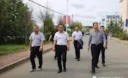 新林区委副书记、区(局)长林建军现场办公加快推进城镇基础设施建设