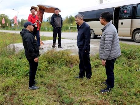 地委委员、地委组织部部长王利文深入呼中区督导检查秋季森林防火工作