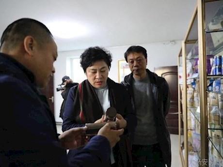 地委委员、地委统战部部长夏静媛到塔河县联系服务企业走访调研