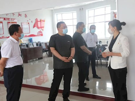 地委委员、组织部部长姜海涛到十八站乡鄂族村调研党建工作